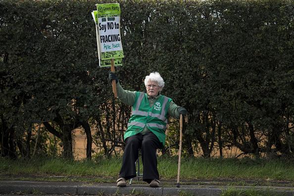 Shale「Demonstrators Protest At Lancashire Fracking Decision」:写真・画像(3)[壁紙.com]