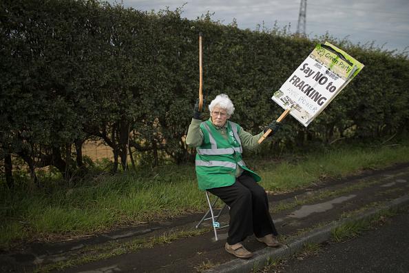 Shale「Demonstrators Protest At Lancashire Fracking Decision」:写真・画像(5)[壁紙.com]