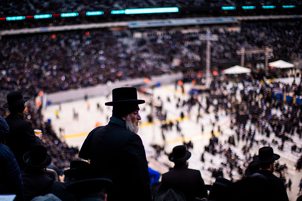 Sports Venue「Security Heightened As Tens Of Thousands Gather For Jewish Celebration Of Siyum HaShas」:写真・画像(15)[壁紙.com]