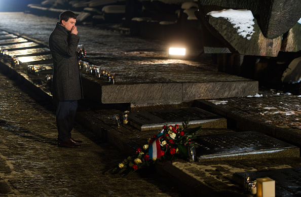 Ian Gavan「Commemorations Are Held For The 70th Anniversary Of The Liberation Of Auschwitz」:写真・画像(4)[壁紙.com]