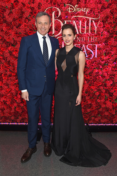 ボブ アイガー「Emma Watson, Dan Stevens, Kevin Kline, Josh Gad, Audra McDonald, Stanley Tucci, Ian McKellen, Bill Condon And Alan Menken  Arrive At Alice Tully Hall For The New York Special Screening Of Disney's Live-Action Adaptation 'Beauty And The Beast'」:写真・画像(3)[壁紙.com]