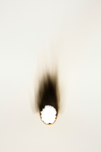 Burnt「Burned hole on a sheet of paper」:スマホ壁紙(17)