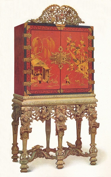 Costume Jewelry「'Red and Gold Lacquer Cabinet', c1695, (1936)」:写真・画像(15)[壁紙.com]