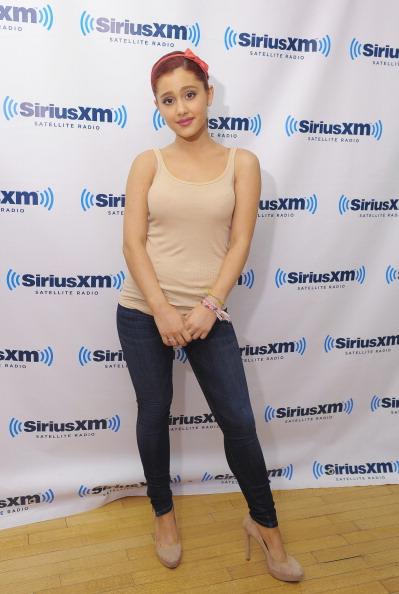 Ariana Grande「Ariana Grande Visits SiriusXM」:写真・画像(17)[壁紙.com]