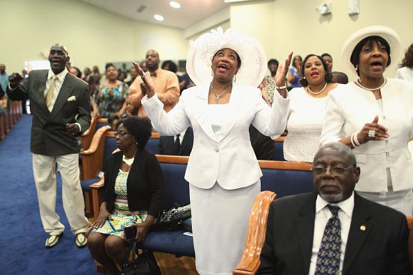 Church「Al Sharpton Holds Sermon And Vigil In North Charleston For Walter Scott」:写真・画像(11)[壁紙.com]