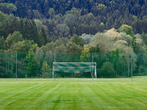 スポーツ「Soccer goal in the countryside」:スマホ壁紙(10)