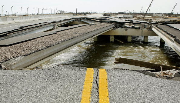 Damaged「Coastal Texas Faces Heavy Damage After Hurricane Ike」:写真・画像(19)[壁紙.com]