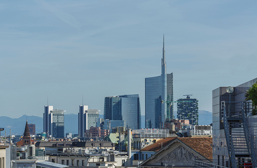 Milan「Milan cityscape under blue sky, Lombardia, Italy」:スマホ壁紙(12)