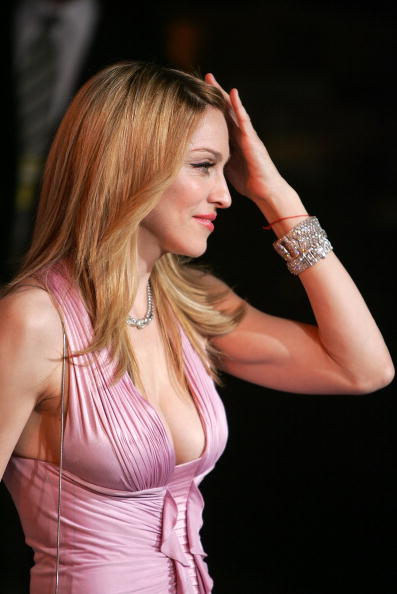 女性歌手「Vanity Fair Oscar Party」:写真・画像(18)[壁紙.com]