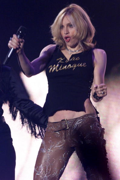 T-Shirt「Madonna at the 2000 MTV Awards」:写真・画像(12)[壁紙.com]