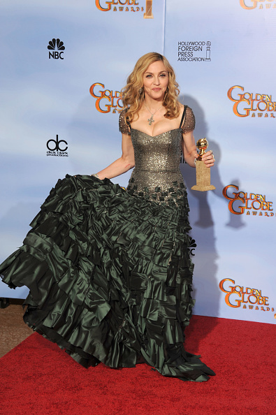 Cross Shape「69th Annual Golden Globe Awards - Press Room」:写真・画像(14)[壁紙.com]