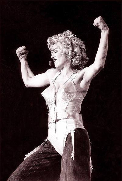 ステージ「Madonna」:写真・画像(16)[壁紙.com]