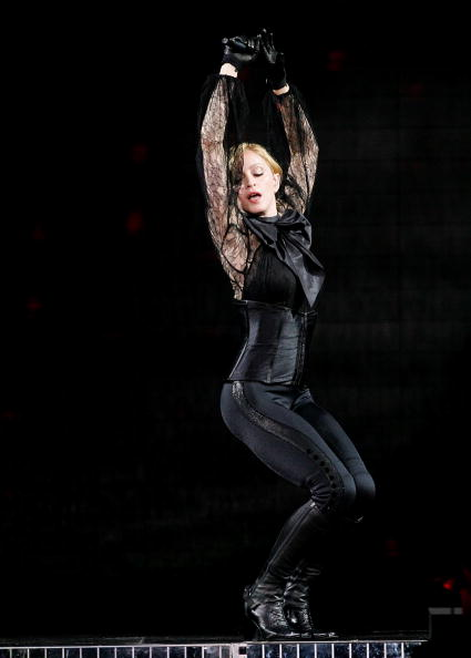 Sensuality「Madonna In Concert At Madison Square Garden - Opening Night」:写真・画像(17)[壁紙.com]