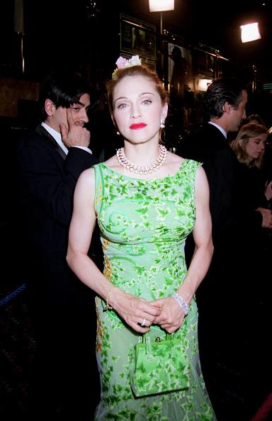 Purse「The UK Premiere of 'Evita' In London」:写真・画像(13)[壁紙.com]
