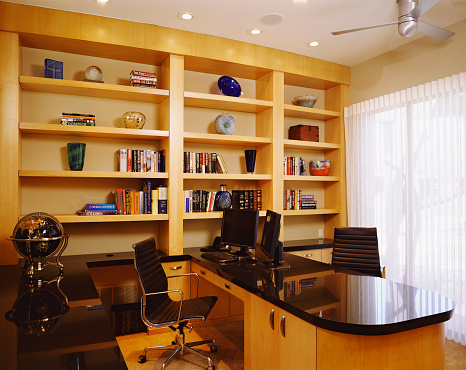 Ceiling Fan「Built-in Desk and Bookcase in Contemporary Home Office」:スマホ壁紙(0)