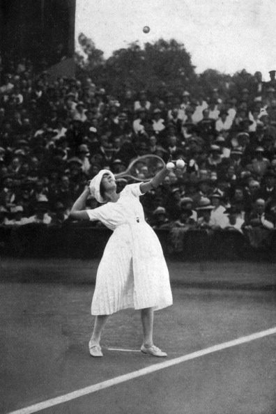 Best shot「Suzanne Lenglen winning her first championship at Wimbledon, 1919, (1930).」:写真・画像(14)[壁紙.com]
