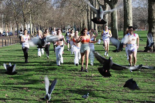 Breast「Team Pants And Bra Hit The Streets Of London」:写真・画像(8)[壁紙.com]
