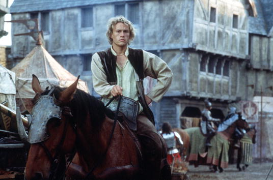 Film Set「A Knight's Tale Movie Stills」:写真・画像(9)[壁紙.com]