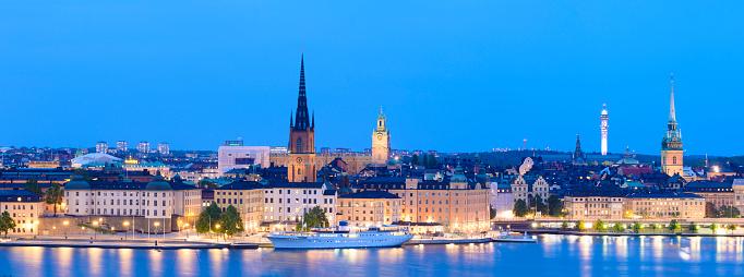cloud「Riddarholmen と夕暮れ、スウェーデン ストックホルムのガムラ ・ スタンのスカイライン」:スマホ壁紙(9)