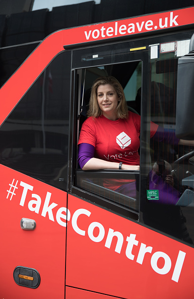 Bus「Priti Patel And Penny Mordaunt Take The Vote Leave Battle Bus To The South Coast」:写真・画像(14)[壁紙.com]