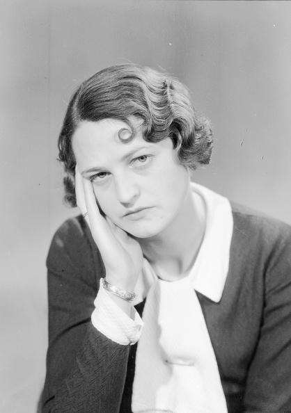 女「Headache」:写真・画像(5)[壁紙.com]