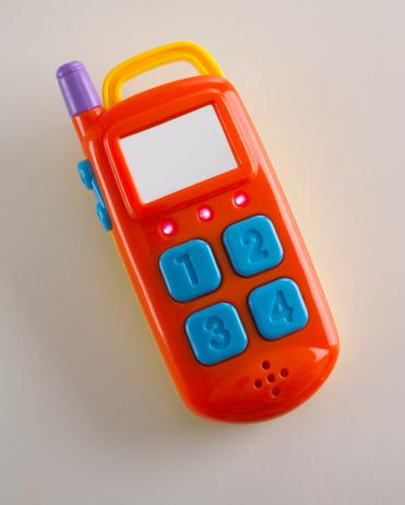 子供時代「Toy telephone, close up」:スマホ壁紙(1)
