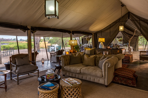 Okavango Delta「Tented lounge area of luxury Machaba Camp, Okavango Delta, Botswana」:スマホ壁紙(19)