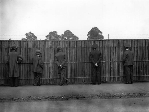 Curiosity「Wimbledon Fence」:写真・画像(12)[壁紙.com]
