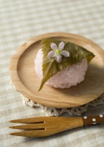Wagashi「Sakura mochi (cherry flavored soft sweet rice cake)」:スマホ壁紙(6)