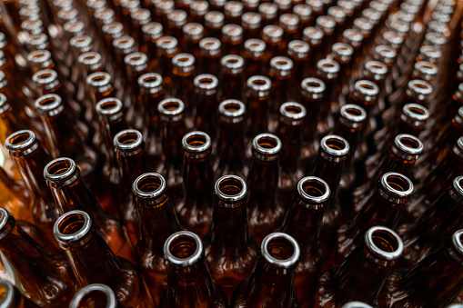Microbrewery「Close-up on empty bottles ready to be filled at a beer factory」:スマホ壁紙(16)