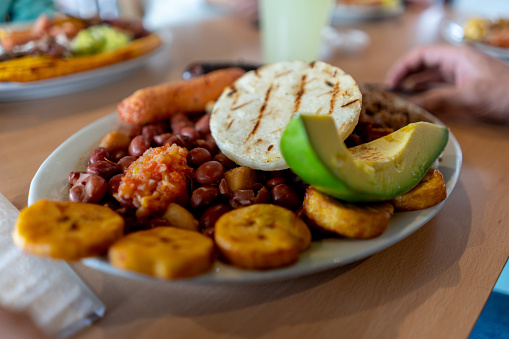 Food Court「Close-up on a dish of Colombian food」:スマホ壁紙(10)