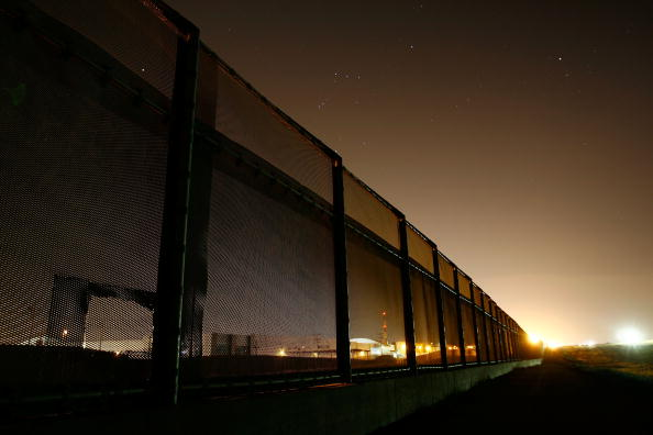Wilderness Area「US Waives Laws To Accelerate Completion Of Border Fence」:写真・画像(18)[壁紙.com]