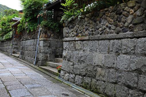 Kyoto Prefecture「Stone wall, Higashiyama, Kyoto Prefecture, Honshu, Japan」:スマホ壁紙(19)