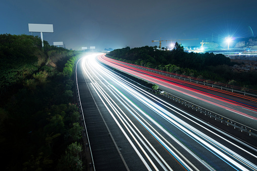 Dividing Line - Road Marking「fast traffic at night」:スマホ壁紙(7)