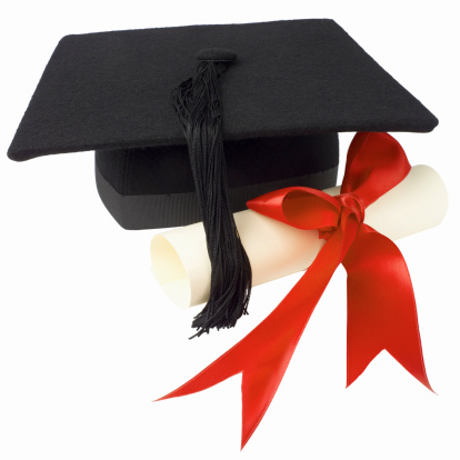 Mortarboard「Close up view of a certificate and graduation cap」:スマホ壁紙(18)