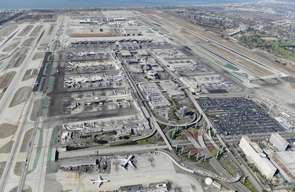 LAX Airport「One Killed In Shooting At Los Angeles International Airport」:写真・画像(16)[壁紙.com]