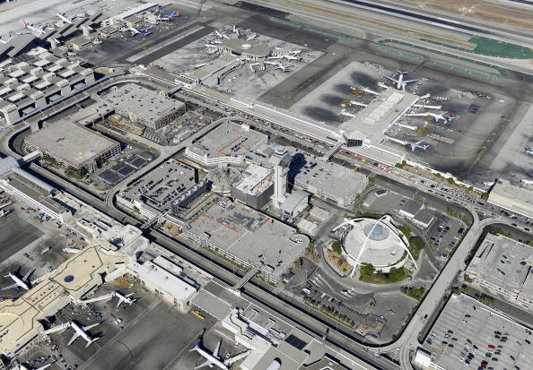 LAX Airport「One Killed In Shooting At Los Angeles International Airport」:写真・画像(10)[壁紙.com]