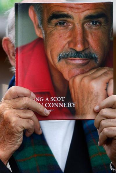 Casual Clothing「Sir Sean Connery Unveils Memoirs At Edinburgh Book Festival」:写真・画像(15)[壁紙.com]
