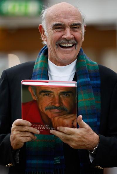 Casual Clothing「Sir Sean Connery Unveils Memoirs At Edinburgh Book Festival」:写真・画像(4)[壁紙.com]
