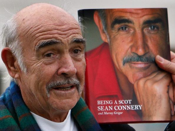 Casual Clothing「Sir Sean Connery Unveils Memoirs At Edinburgh Book Festival」:写真・画像(13)[壁紙.com]
