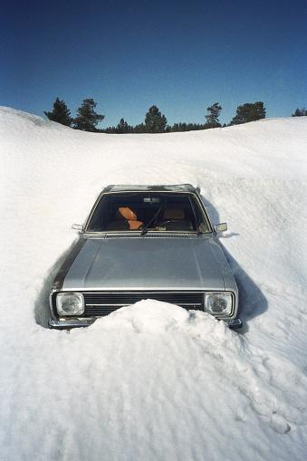 Snowdrift「Old Car Stuck In Snowdrift」:スマホ壁紙(8)