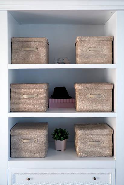 White shelved with tan boxes atop them:スマホ壁紙(壁紙.com)