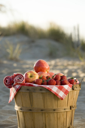 Picnic「Bushel basket of fruit」:スマホ壁紙(18)