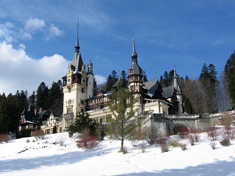 Gothic Style「Castle from Sinaia, Romania」:スマホ壁紙(2)