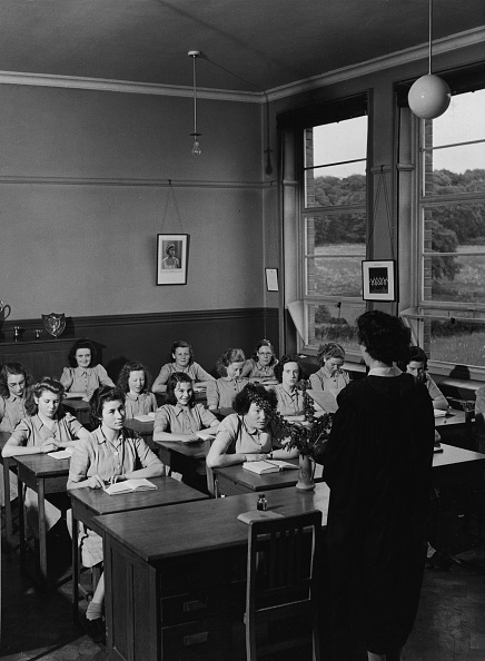 Females「Girls Sitting In Classroom In Northern Ireland」:写真・画像(15)[壁紙.com]
