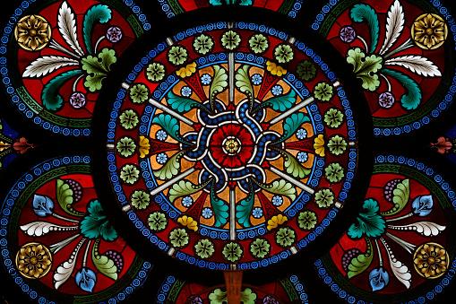 Stained Glass「Heiligenkreuz Abbey. Chapterhouse. Stained glass.」:スマホ壁紙(15)