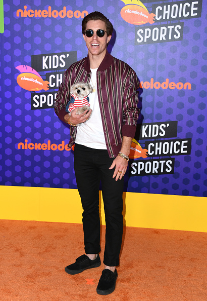 黒のパンツ「Nickelodeon Kids' Choice Sports 2018 - Arrivals」:写真・画像(4)[壁紙.com]