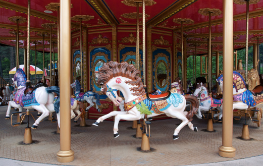 Amusement Park Ride「Carousel horse (Merry-Go-Round)」:スマホ壁紙(15)