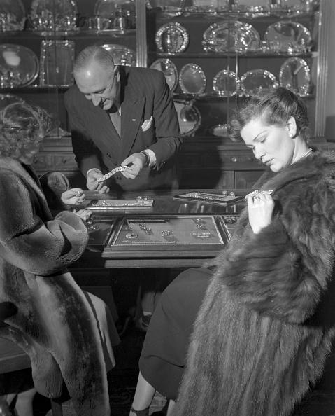 Vaud Canton「In The Jewellery」:写真・画像(9)[壁紙.com]