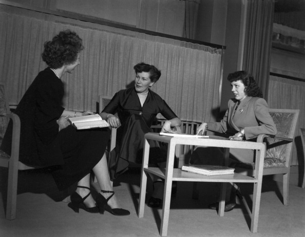 Vaud Canton「A Talk With The Dressmaker」:写真・画像(0)[壁紙.com]